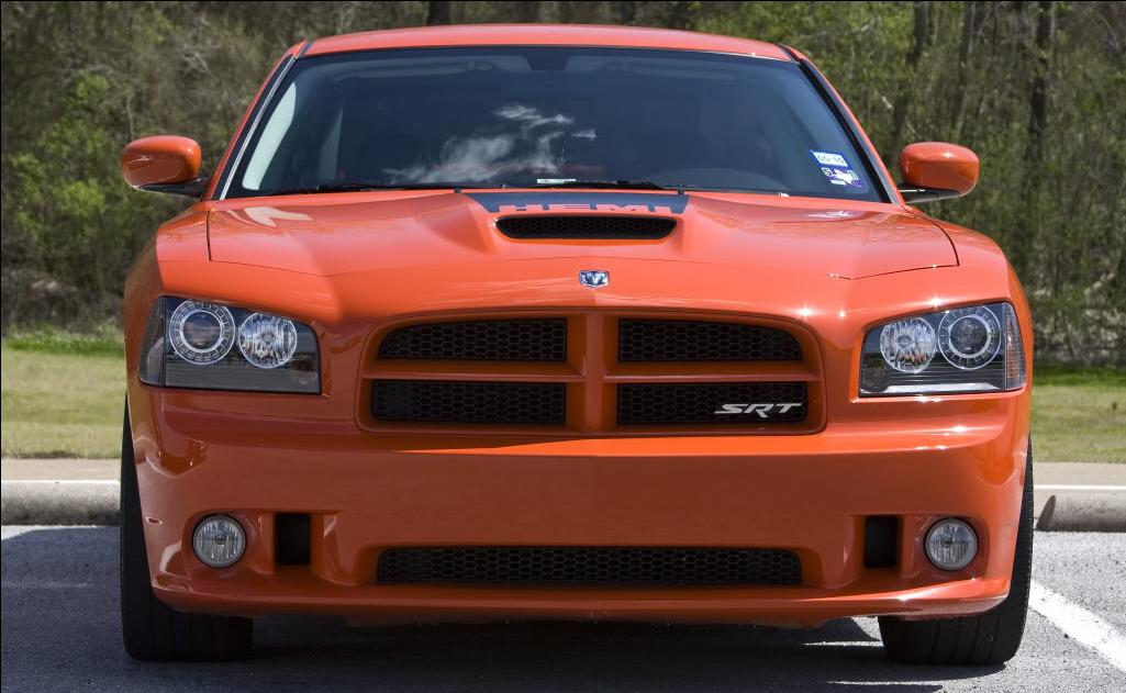 E.T.R. et sa Dodge Charger SRT-8 Super Bee 2009 Face_avant